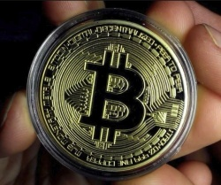 Get A Free Gold Plated Collectible Bitcoin